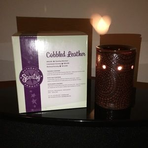 Cobbled Leather Deluxe Scentsy Warmer